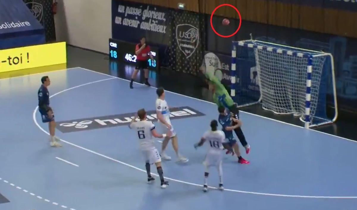 """U Francuskoj viđen """"odbojkaški"""" gol na rukometnom meču"""
