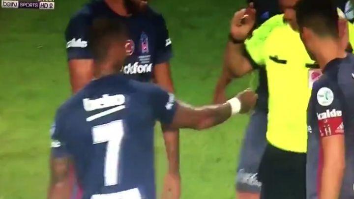 Divljanje navijača i bacanje noža skupo koštali Konyaspor