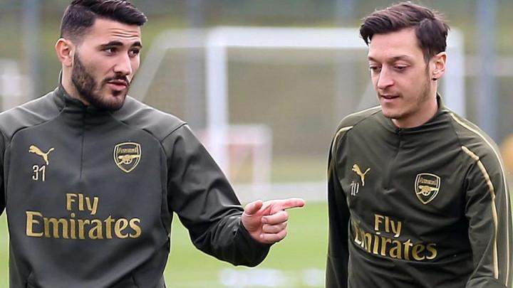 Emery: Kolašinac i Ozil su 100% sada fokusirani samo na fudbal