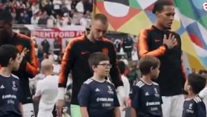 Dječak nije mogao da vjeruje da pored njega stoji Virgil van Dijk