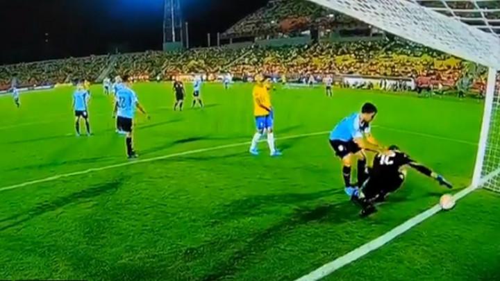 Duh Lorisa Kariusa ušao u golmana Urugvaja