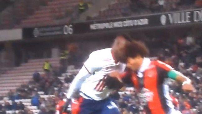 Igrač Lillea hitno prebačen u bolnicu nakon sudara s Danteom
