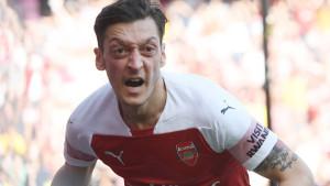 Čak je i očajni Alexis Sanchez uspio nadmašiti Mesuta Özila