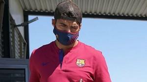"""Luis Suarez razočarao navijače Barcelone kad su vidjeli njegov """"zapušteni"""" stomak"""