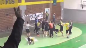 Nestvarna scena iz Gračanice: Igrač domaćeg tima brutalno udario protivnika