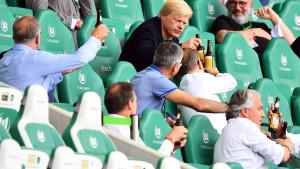 Dok su igrači Bayerna odbrojavali do trofeja, Kahn i društvo se opustili na tribinama
