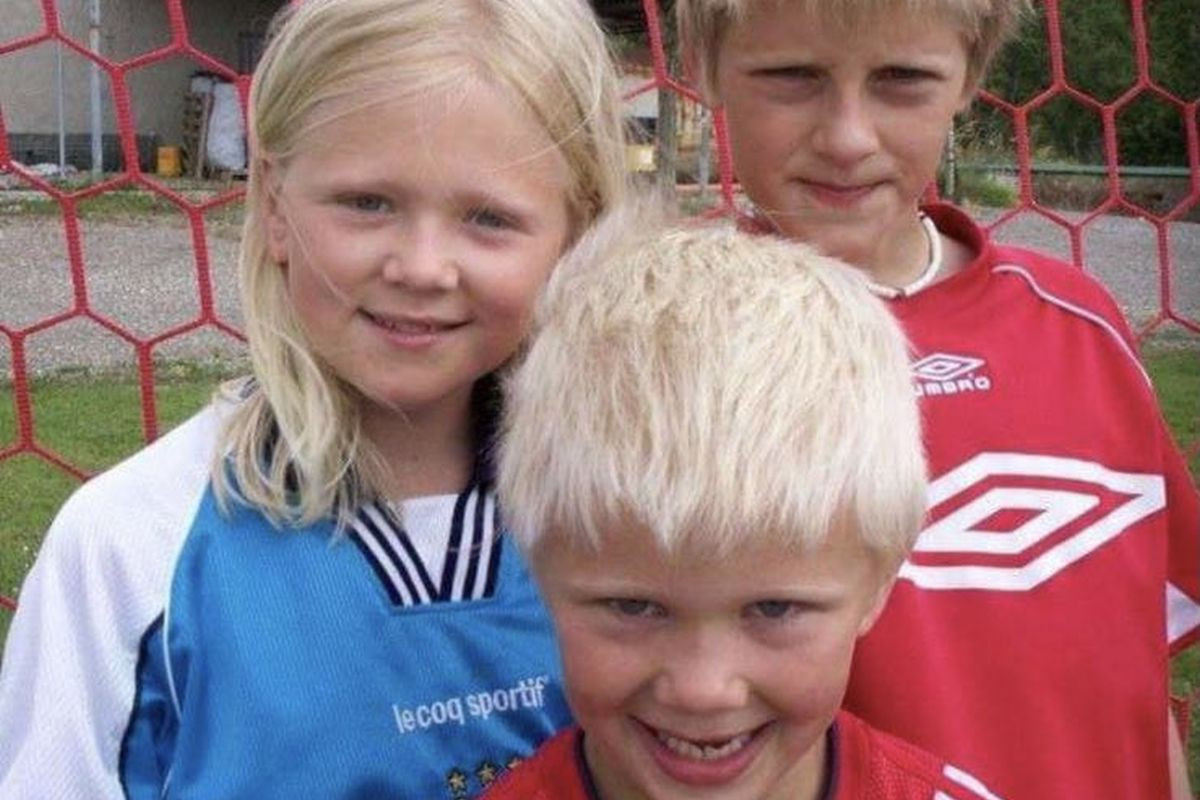 Dječak sa fotografije je sada odrastao dečko i za njim je lud cijeli fudbalski svijet