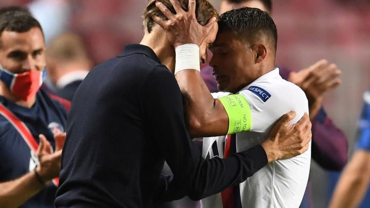 """""""Thiago Silva može igrati u Seriji A još dvije godine s cigaretom u ustima"""""""