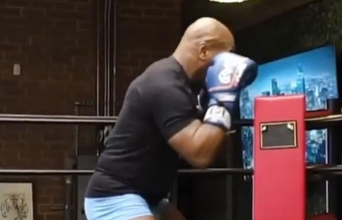 Moćno, brzo i žestoko: Mike Tyson udara tako jako da se sve trese oko njega