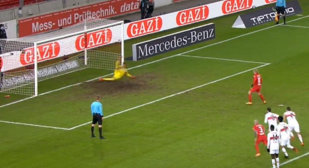 Golman Stuttgarta na fenomenalan način odbranio penal