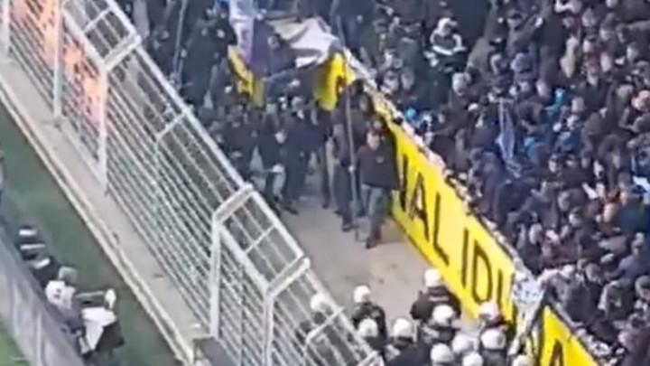 Berlinski huligani s ogromnim motkama napali policiju