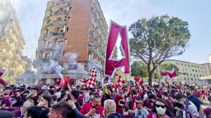 Salerno gori, a navijačica Salernitane je postala hit na društvenim mrežama