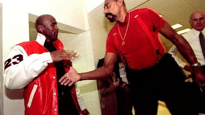 Chamberlain Jordanu: Zbog mene su mijenjali pravila da ne dominiram, a zbog tebe da dominiraš