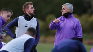 Mourinho nakon dolaska u Tottenham prvo poslao SMS poruku Harryju Kaneu