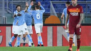Edin Džeko i Vučica nevidljivi u derbiju: Lazio razbio Romu!