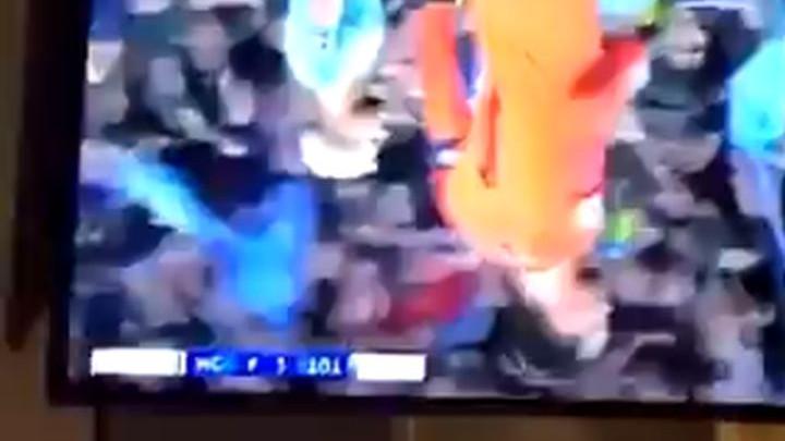Navijač Manchester Cityja razbio TV nakon što je VAR poništio Sterlingov gol
