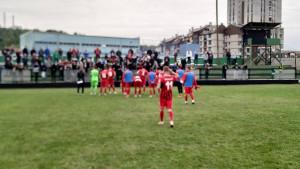 Nezadovoljni navijači Čelika utrčali na teren