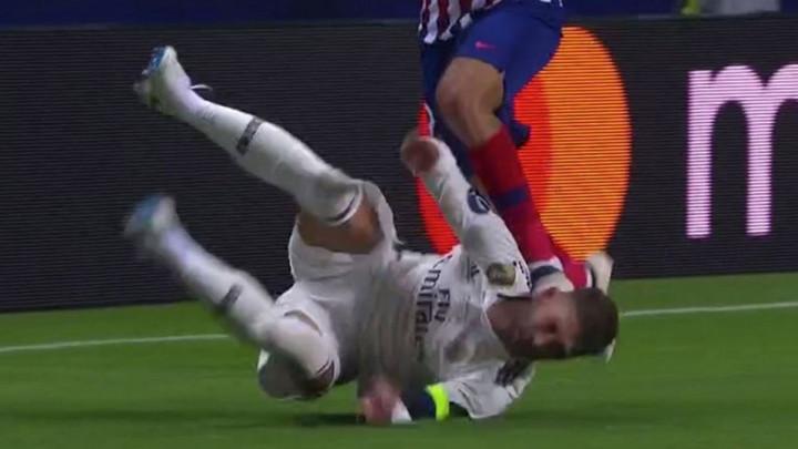 Bit će čašćenja od Salaha i Kloppa: Jeste li vidjeti šta je Costa uradio Ramosu?