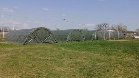 Vojni šatori zauzeli fudbalski teren prvoligaša