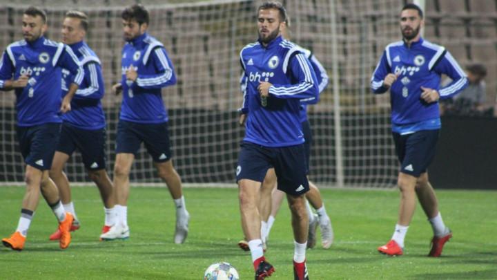 Dok je Pjanić sa reprezentacijom, inostrani mediji najavljuju transfer njegove karijere