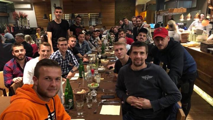 Lijep gest Šabanadžovića: Saigrače i stručni štab počastio oproštajnom večerom