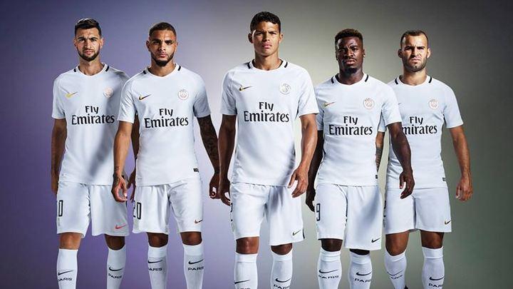PSG napokon predstavio treći dres za sezonu 2016/17.