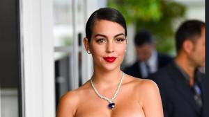 Georgina je žena koja nije s ovog svijeta: Ronaldova zaručnica obukla haljinu zbog koje ispadaju oči