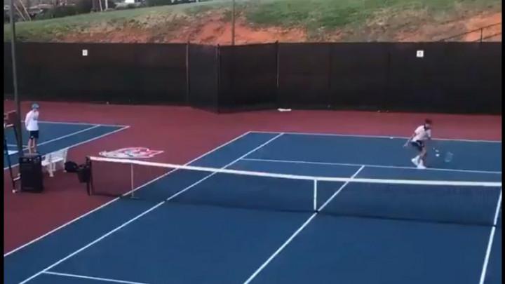 Jedan od najluđih poena u historiji tenisa!