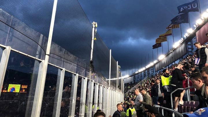 Navijači Uniteda razočarani uslovima na Nou Campu: Platili smo 120 eura...
