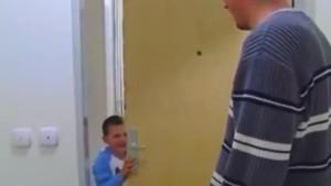 Stari snimak mnogima je zapao za oko: Nasmijanog dječačića ste odmah prepoznali?