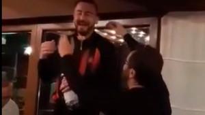 Odlična atmosfera: Alispahić zapjevao, Nalić ga zakitio eurima