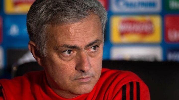 Mourinho: Fellaini se povrijedio, morao sam ga izvaditi iz igre