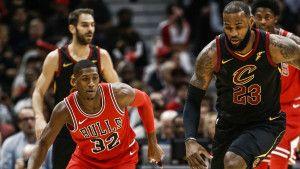 """LeBron James """"sredio"""" Lakerse"""