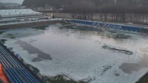 Stadion nekadašnjeg premijerligaša je 'čudo': Jučer vaterpolo, a danas hokej....