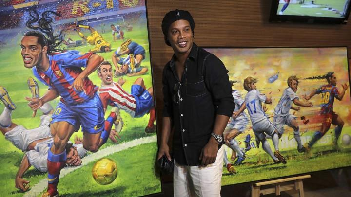 Ronaldinho ne može napustiti Brazil dok ne plati milionski dug