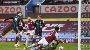 Leedsov spektakl na Villa Parku: Čudesni Bamford razbio Aston Villu