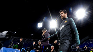 Navijači Napolija se okupili ispred hotela Barcelone i uzvikivali ime Lionela Messija