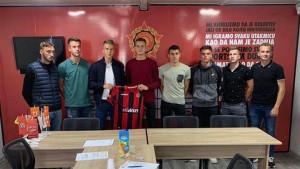 Mladi fudbaleri Slobode na Tušnju potpisali nove ugovore