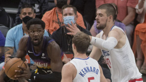 Ayton nestvarnim zakucavanjem preko Zubca donio pobjedu Phoenix Sunsima protiv LA Clippersa
