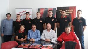 Osmorica mladih igrača potpisala ugovore sa Slobodom, trener Bulić najavio subotnji meč