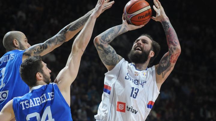 Srbija razbila Grčku, na korak je od Mundobasketa