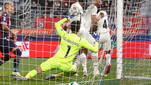 Ludnica u Bologni: Golijada, dva isključenja i pobjeda Milana uz lijep gol Ibrahimovića