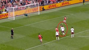 Šta je gađao Fernandes? Pogledajte jedan od najgorih penala u historiji fudbala!