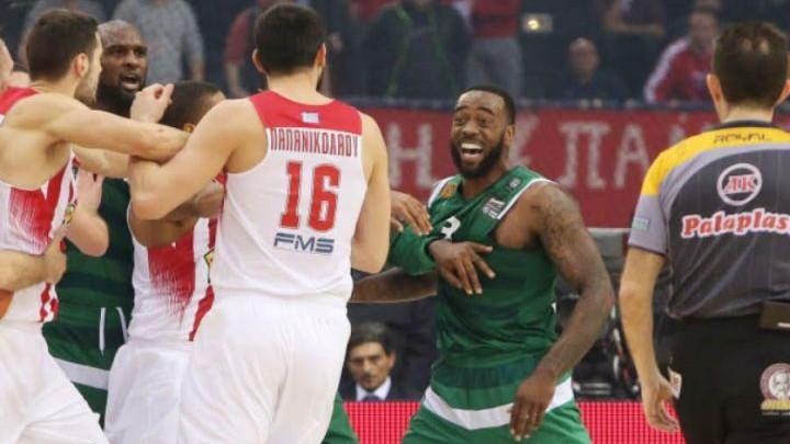 Olympiacos fantastičnom obranom do breaka