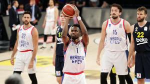 Efes i u drugom meču deklasirao Fener, Musa nije bio u rosteru, solidna partija Biberovića