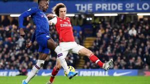 Pao gol u londonskom derbiju, ne zna se ko je gori - Luiz ili Mustafi