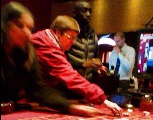 Cisse razočarao muslimane: Uhvaćen u kockarnici