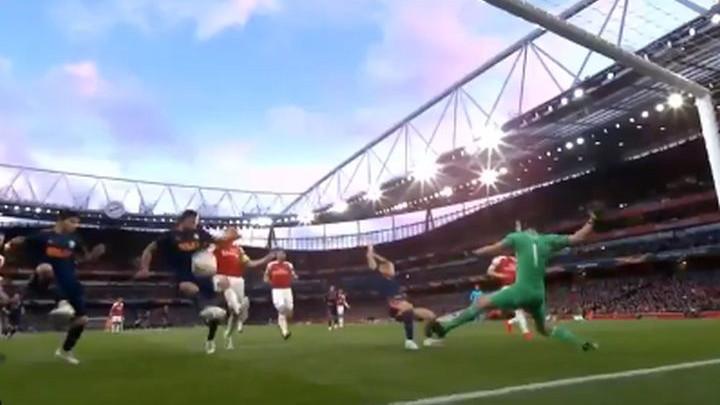 I to je moguće: Garay s metra promašio prazan gol