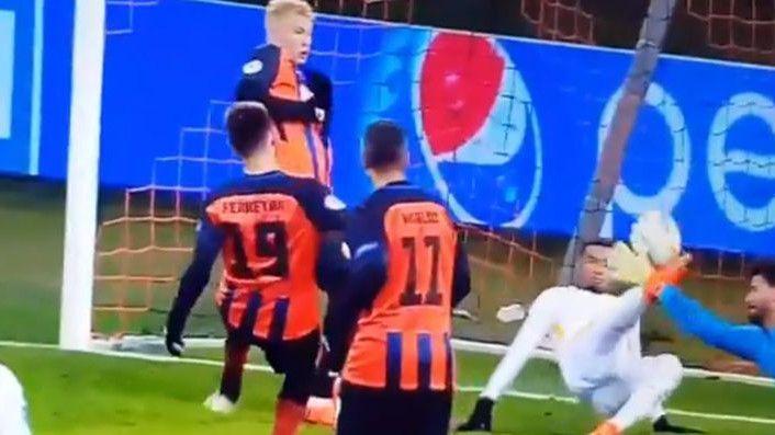 U Shakhtaru počeli slaviti gol, a onda se pojavila noga Brune Peresa