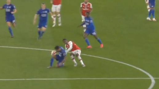 Ekspresan crveni karton za igrača Arsenala: U igri je proveo jedan minut